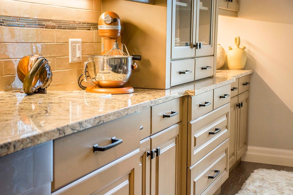 Dundas Kitchen Cabinets