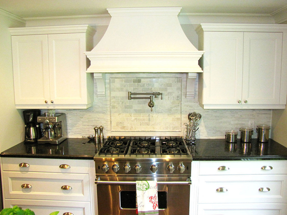 Kitchen range cabinetry
